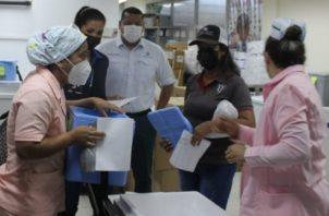 Un total de 1,600 dosis de vacunas contra la covid-19 llegaron a la provincia de Veraguas. Foto:Minsa
