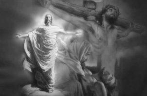 El Dios que, hecho carne, habiendo sufrido el escarnio y las humillaciones que nadie nunca antes ni después sufrirá, fue crucificado, con muerte humillante e indignante de cruz.