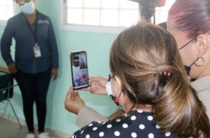 Estudiantes dialogaron virtualmente con la ministra de Educación, Maruja Gorday de Villalobos.