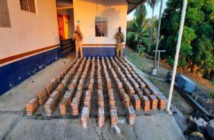 La droga incautada fue trasladada a la base de Charco Azul,para contabilizarla.