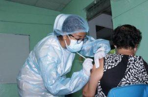 La vacunación se realiza de 7:00 a.m a 6:00 p.m.
