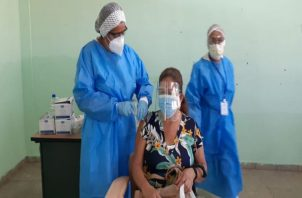 Panamá inició a vacunar contra la covid-19 el 20 de enero de 2021.