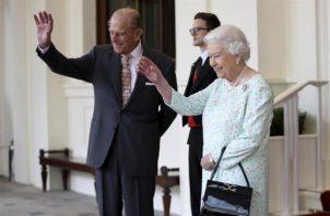 Reina Isabel II y el príncipe Felipe. Archivo