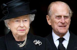 Reina Isabel II y príncipe Felipe. EFE
