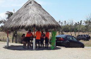 La capacitación que recibirían los surfistas incluiría primeros auxilios. Foto: Thays Domínguez