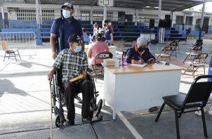 En la escuela Ciudad Jardín de Las Mañanitas se han vacunado 1,440 personas en dos días.