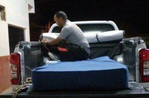 Para evitar accidentes los paramédicos duermen fuera de las instalaciones del Cuerpo de Bomberos. Foto: Thays Domínguez