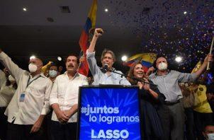 En los comicios de 2013, Guillermo Lasso perdió ante Rafael Correa, que arrasó en primera vuelta. EFE