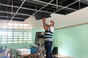 Reparaciones que se realizan en la escuela Sabana Grande, en Pesé, Herrera. Foto: Cortesía de Meduca