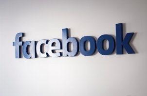 Vista de un logo de Facebook.