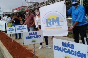 Simpatizantes de Realizando Metas le exigen al gobierno que se ocupe de los problemas sociales. Foto: Víctor Arosemena