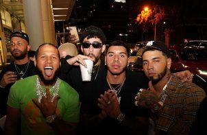 Anuel AA, Bad Bunny y otros artistas estaban de fiesta supuestamente en Miami. Foto: Twitter