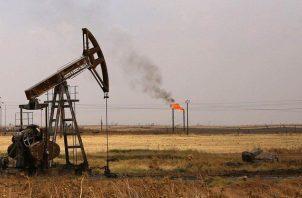 Los contratos de gasolina con vencimiento en mayo sumaron casi seis centavos hasta 2,03 dólares el galón. EFE