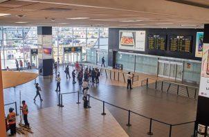 Vista general del Aeropuerto Internacional Jorge Chavéz en Lima (Perú)