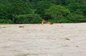 Las fuertes lluvias han causado la obstrucción de varias tomas de agua cruda. Foto: Idaan
