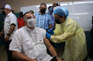 Monseñor José Domingo Ulloa pide no descuidar las medidas de bioseguridad. Foto: Cortesía @ArquiPanama