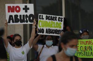 Se registraron varias protestas por el escándalo de abuso de menores en albergues del Estado.