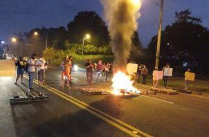 Los manifestantes exigen una respuesta habitacional. Foto: Diomedes Sánchez