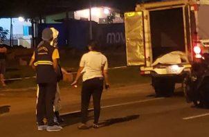 El cuerpo de la víctima fue enviado a la morgue judicial en el distrito de David, para que se practique el examen de necropsia. Foto: Mayra Madrid