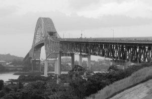 El Puente de las Américas unió una tierra que había sido herida y cercenada por la mano extraña; fue tributo de la persistencia del nacionalismo y fruto del esfuerzo y exigencias de los hombres que nos precedieron. Foto: Archivo.