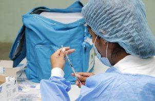 Panamá espera un millón de dosis de la vacuna contra la covid-19 para el trimestre actual. Foto: Cortesía Minsa
