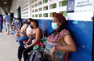 El primer día en Panamá Oeste se vacunaron 9 mil 475 personas, según cifras del Minsa y la CSS. Foto: Eric Montenegro