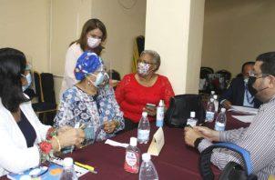La ministra de Educación se reunió con los directores regionales para verificar cómo andan los preparativos para el regreso a las aulas. Foto: Cortesía Meduca