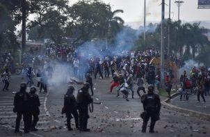 Defensoría del Pueblo en Colombia reportó casos de agresiones sexuales en las protestas. Foto: EFE