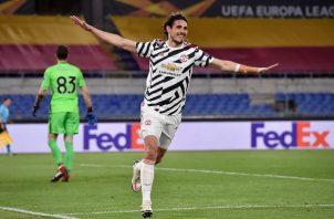 Edinson Cavani volvió a castigar a la Roma con dos goles. Foto: Twitter