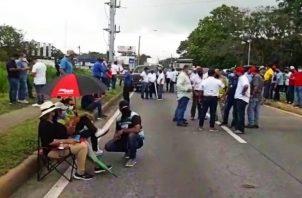 Los transportistas mantuvieron una protesta por unas 10 horas. Foto: Mayra Madrid