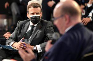El presidente francés, Emmanuel Macron participa de la Cumbre Social europea que se realiza en Oporto. Foto: EFE