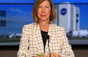 Fotografía de archivo fechada el 29 de septiembre 2020 y cedida por la NASA donde aparece Kathy Lueders, administradora asociada de exploración humana y operaciones en la sede de la NASA. Foto: EFE