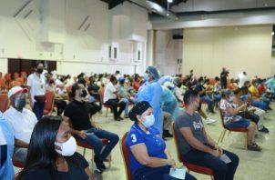Vacunación en la Universidad de Panamá. Foto: Minsa