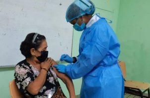 Continúa el proceso de vacunación con la vacuna de Pfizer.