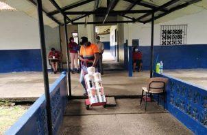 Hay colegios en los cuales se están mejorando el área de estacionamientos. Foto: Diomedes Sánchez