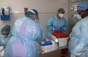 Unas seis mil dosis fueron entregadas a policlínicas Dr. Santiago Barraza, en La Chorrera e igual cantidad a la policlínica Dr. Blas Daniel Gómez Chetro, en Arraiján. Foto: Eric Montenegro