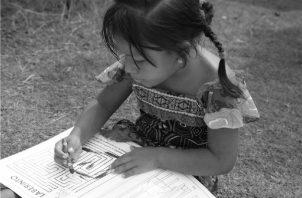 Homenaje del Órgano Judicial a niños de la comunidad de Narganá, en la comarca Guna Yala, El legado de los abuelos sigue vigente. Con el tiempo, diferentes programas se han desarrollado para fortalecer la cultura guna. Foto: Cortesía: Órgano Judicial.