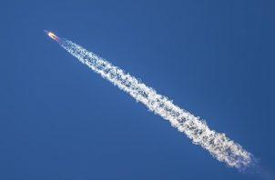 """Lanzamiento del cohete transportador """"Tianwen-1"""" en Wengchan, China."""