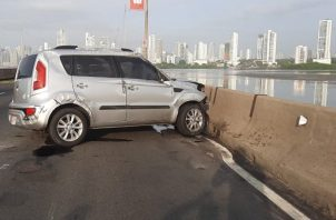 El vehículo se estrelló en el corredor sur.