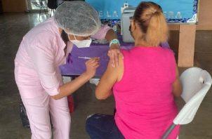 En la provincia de Coclé se aplicaron unas 6, 870 vacunas contra la influenza. Foto: Cortesía Minsa