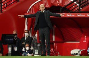 El técnico francés del Real Madrid, Zinedine Zidane, en el estadio Nuevo Los Cármenes, en la capital nazarí.