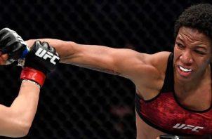 Joselyne Edwards debutó con un triunfo en la UFC, en enero de este año. Foto: Cortesía Joselyne Edwards