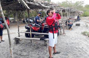 El Cuerpo de Bomberos se encuentran en la playa Boquilla para ampliar la búsqueda del ciudadano de 38 años. Foto: Cortesía Cuerpo de Bomberos