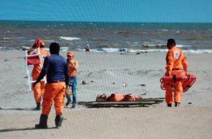La advertencia también va dirigida a los bañistas en las playas. Foto: Thays Domínguez