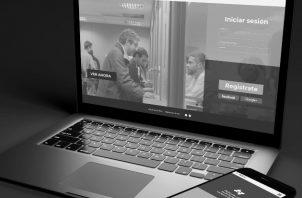 Hay computadoras diseñadas con el objetivo de aprovechar al máximo la tecnología de asistencia para discapacidades visuales. Teilú, la plataforma de contenidos audiovisuales accesibles para personas ciegas y sordas de Argentina. Foto: EFE.