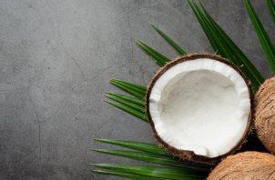 El coco es un ingrediente versátil que aporta beneficios a la salud. Foto: Ilustrativa / Freepik