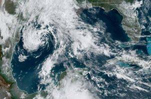 Fotografía muestra la ubicación del sistema de baja presión en el Golfo de México