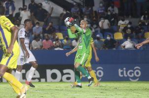 El portero José Guerra recordó que todo el equipo se sacrificó para acceder a la final. Foto: Cortesía Universitario