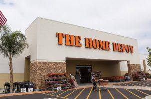 Al final de su primer trimestre, la compañía operaba casi 2.300 tiendas en EE.UU. EFE