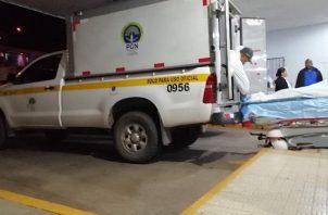 La víctima llegó sin signos vitales a la policlínica de la Caja de Seguro Social. Foto: Eric Montenegro